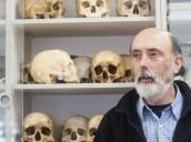 """Paco Etxeberria: """"Hay montañas de huesos en alguna capilla del Valle de los Caídos y buscar es una tarea dificilísima"""""""