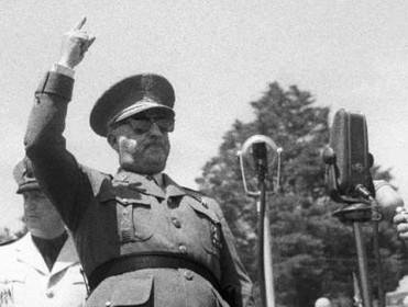El momento de exhumar a Franco