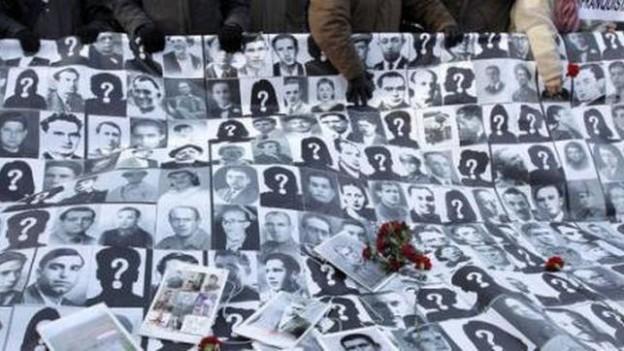 Homenaje-desaparecidos-franquismo_EDIIMA20151127_0519_4