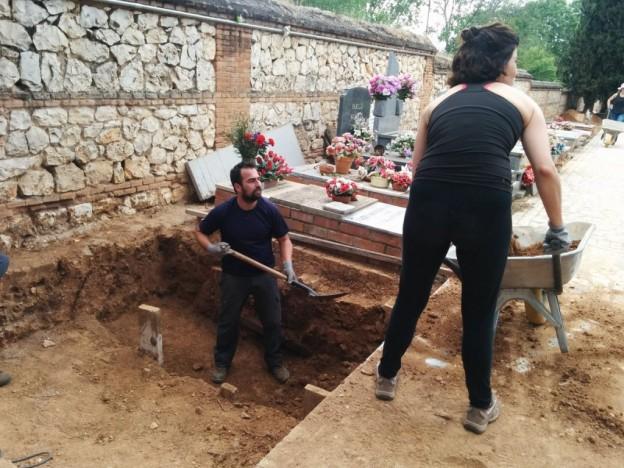 Exhumacion-en-Cementerio-Guadalajara-de-Timoteo-Mendieta-y-unos-20-mas_9-5-2017-1024x768