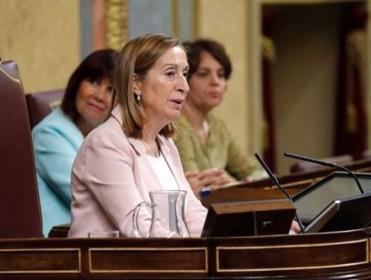 Las víctimas del franquismo critican el 'no' del Defensor del Pueblo a su queja sobre Ana Pastor