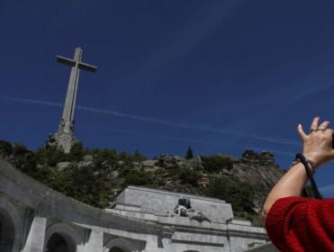 Justicia trabaja en un decreto para la exhumación de Franco