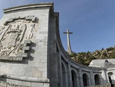 Un juez que atacó la ley de Memoria Histórica suspende la licencia urbanística para la exhumación de Franco