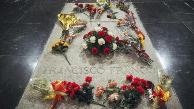 Fraco-Valle-Caidos-flores-frescas_EDIIMA20190215_0713_4
