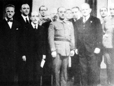 Informe Navasqüés: el documento que prueba que Franco dio refugio a jerarcas nazis en España