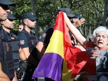 """Las víctimas de la dictadura, tras la decisión del Supremo: """"Los Franco tienen suerte: ellos saben dónde están sus muertos"""""""