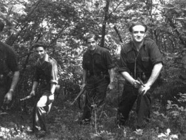 'Los Hijos de la Noche': los anarquistas que sacaron de Zaragoza a 4.000 personas para que no las ejecutasen los franquistas