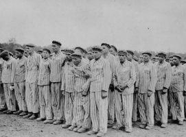 Cascada de denuncias de los descendientes de republicanos en campos nazis
