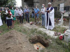 Genara descansa en Cirujales después de 80 años de olvido